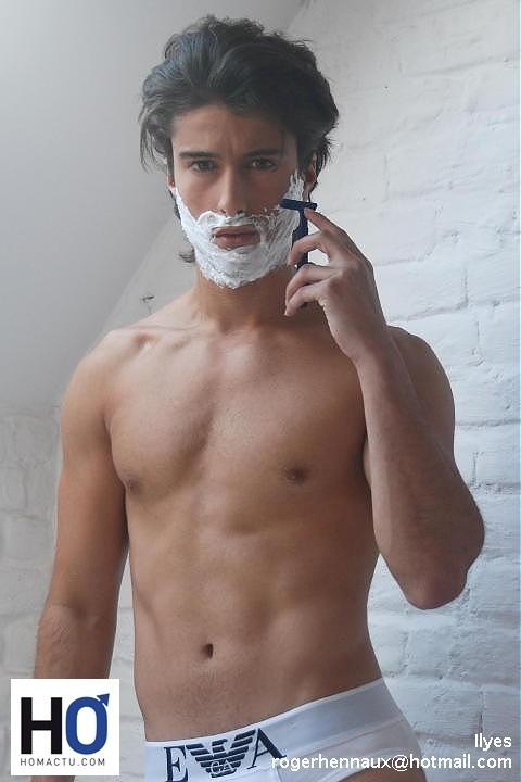 Razor Pit qui est un appareil ingénieux qui aiguise et nettoie vos lames de rasoir !