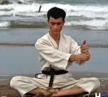 Découvrir et pratiquer des armes d'Okinawa