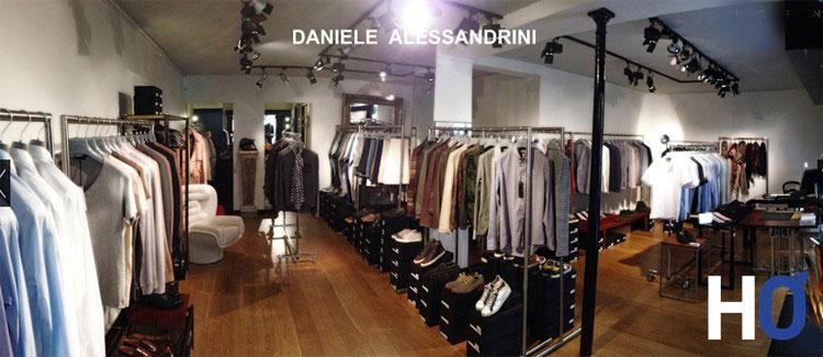 La boutique: 4 rue du Pré aux Clers 75007 PARIS