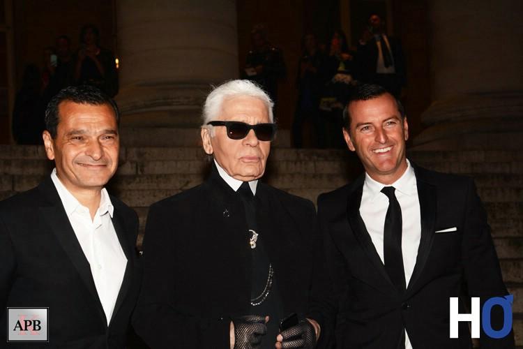 Karl Lagerfeld arrivant à la soirée de lancement du parfum au Palais Brongniard.