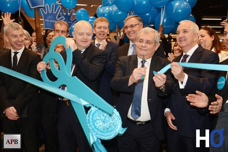 Inauguration et ouverture du magasin par Mr le Maire d'Aulnay Sous bois: Mr Segura
