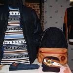 Sweat, blouson sac à dos, gants et casquette