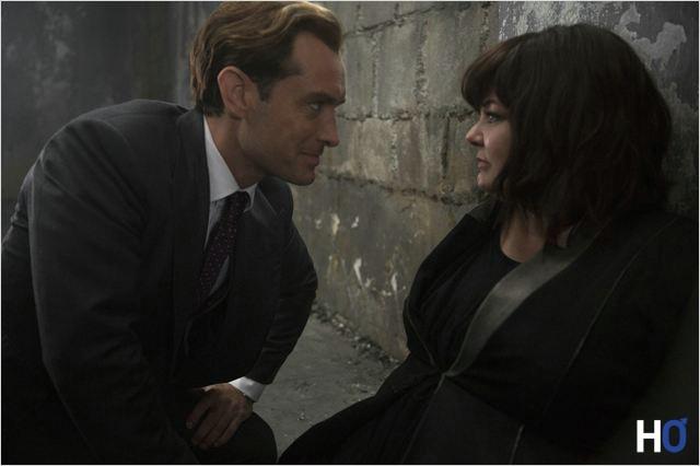 Bradly fine ( Jude Law ) & Susan Cooper (Melissa McCarthy)