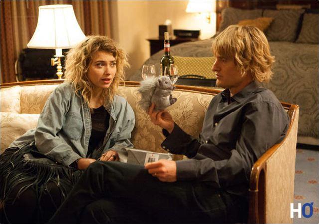 Isabella (Imogen Poots) et Arnold (Owen Wilson)