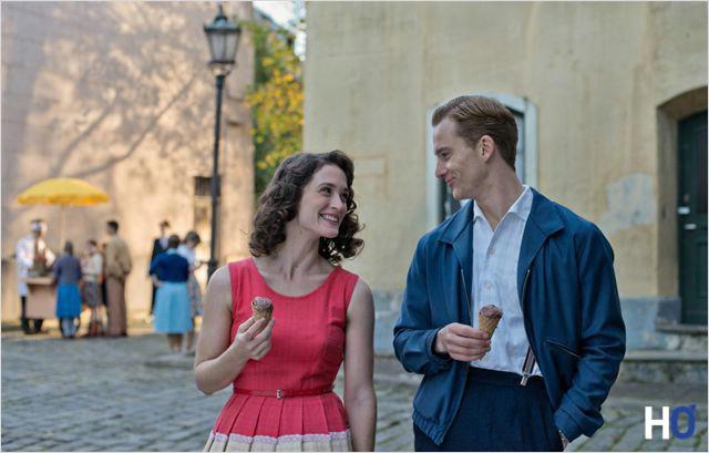 Marlene Wondrak (Friederike Becht) avec qui Johann Radmann a une aventure.