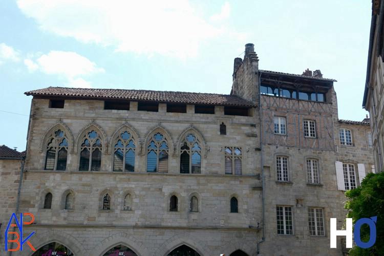 Place Champollion : Maison Médiévale