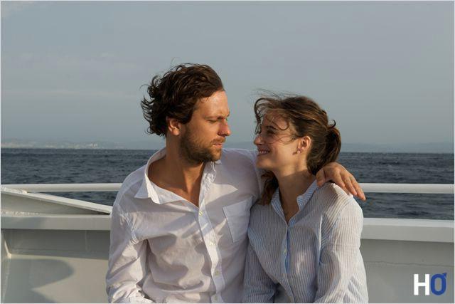 Yann( Pierre Rochefort) et sa femme Estelle (Mélanie Bernier)