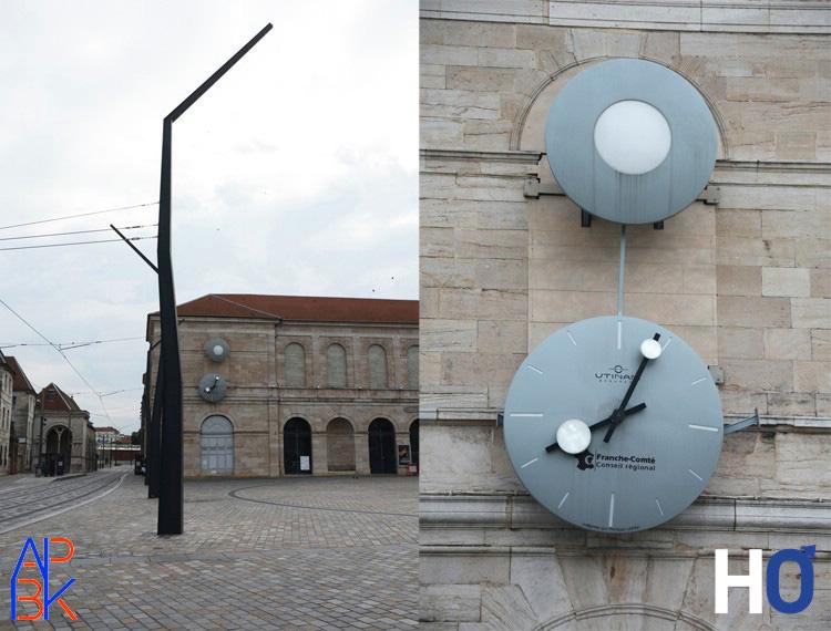 Horloge monumentale place de la Révolution