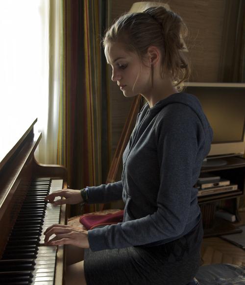 Constance (Noémie Schmidt)