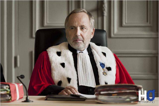 Michel Racine (Fabrice Luchini), président de la cour d'assise