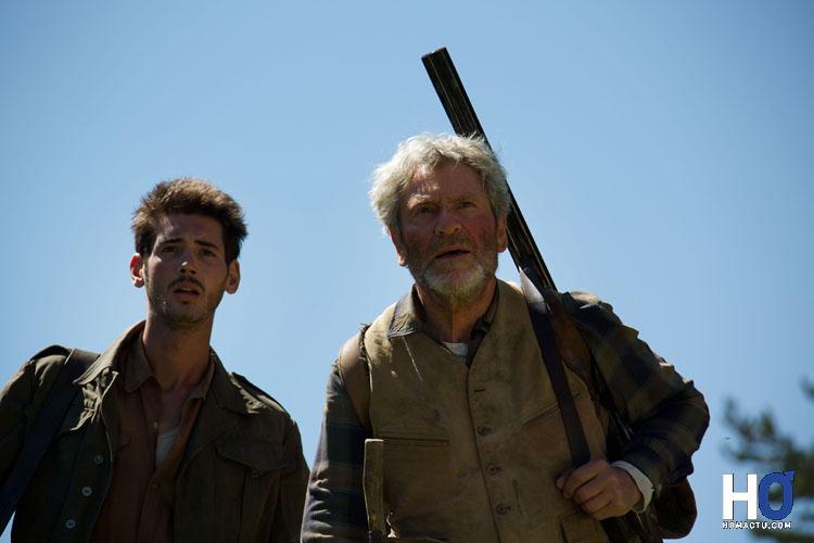Le mécanicien de Pierre (Jeffrey Noel) et César (