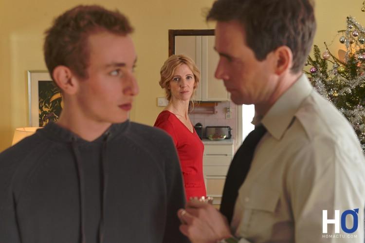 Damien avec son père lors d'un retour de mission.