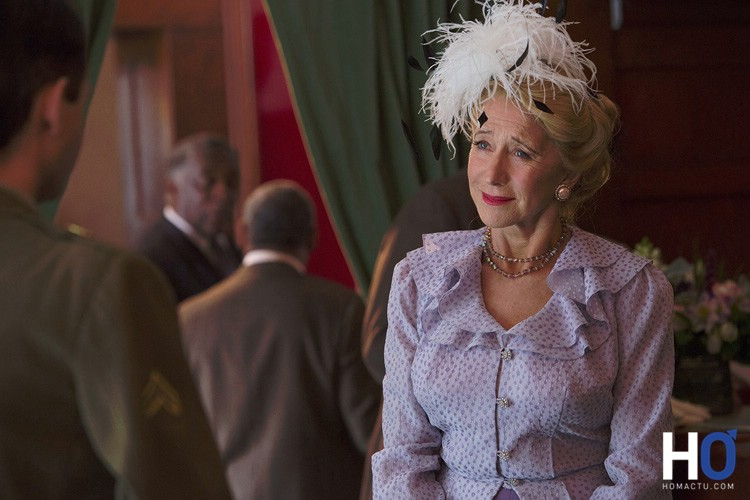 Hedda Hopper ( Helen Mirren)