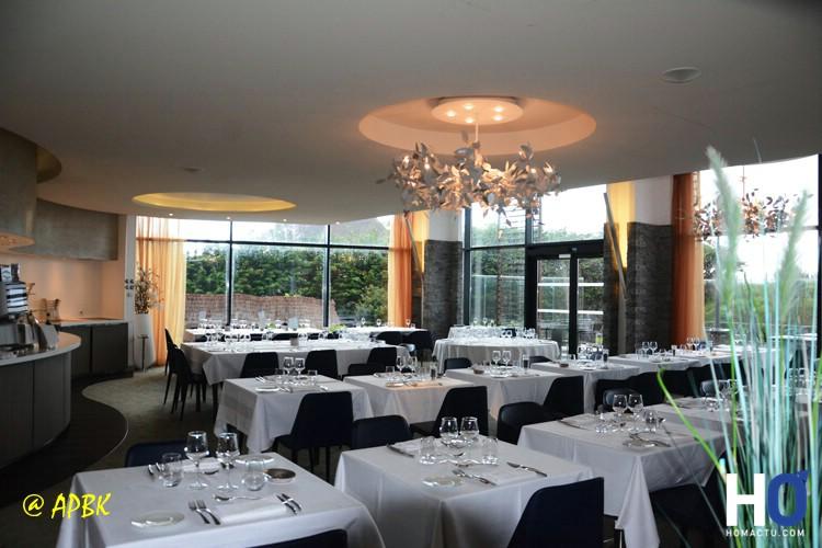 La salle de restaurant et celle qui sert pour le Petit Déjeuner
