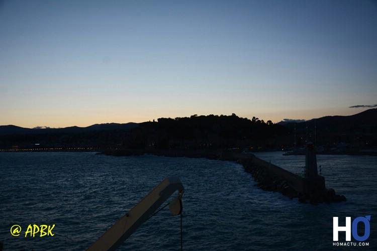La sortie du port de Nice