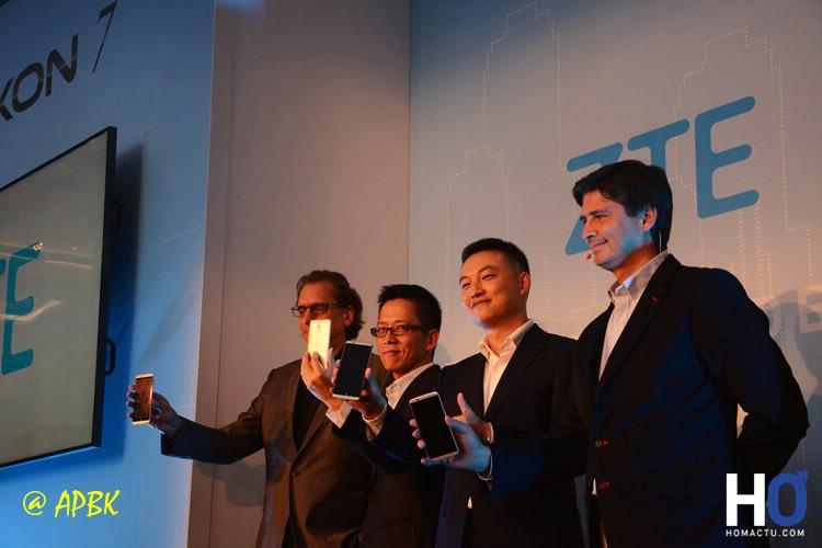 Hagen Fendler, Waiman Lam, Scott Zhang et Javier Foncillas