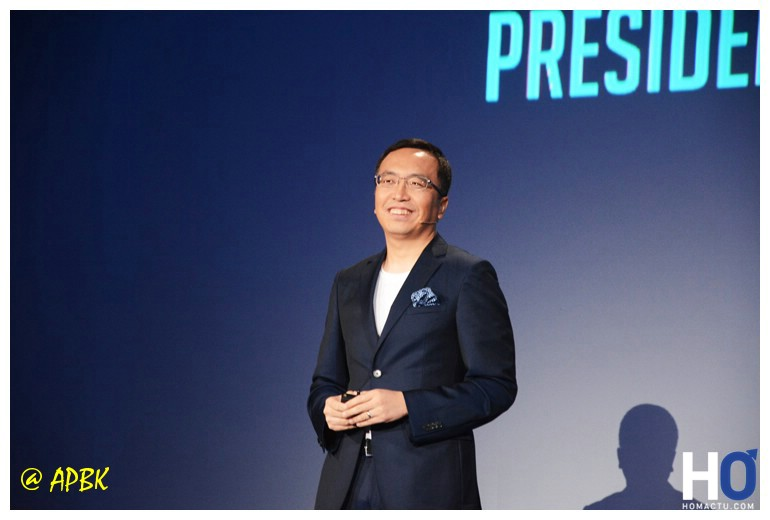 George Zhao ( Président de Honor )