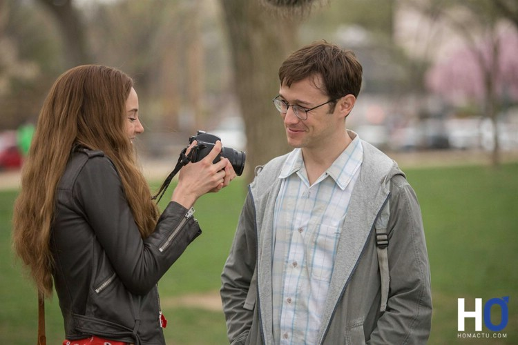 Lindsay Mills (Shailene Woodley) et Edward Snowden (Joseph Gordon-Levitt=