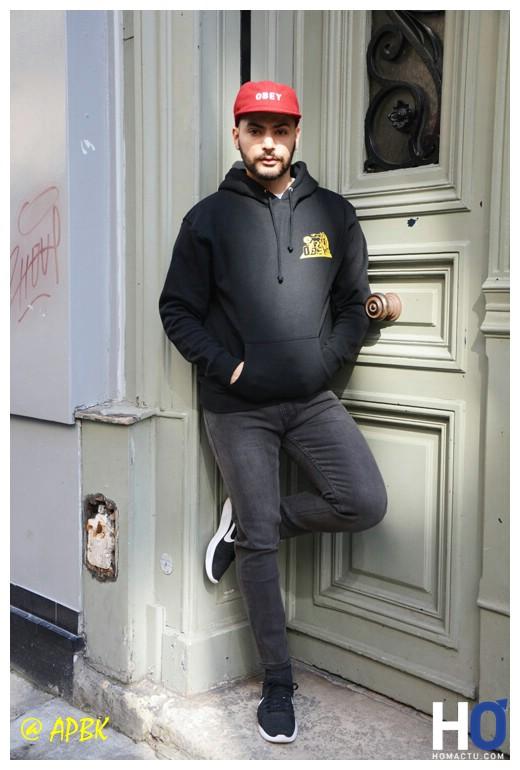 Modèle Amir - Tee Jumble bou tee, Veste soto Collegrate, Pant Classique Stantard Fit, Cap Obey