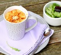 Mug cake aux tomates séchées, chorizo et Société Crème.
