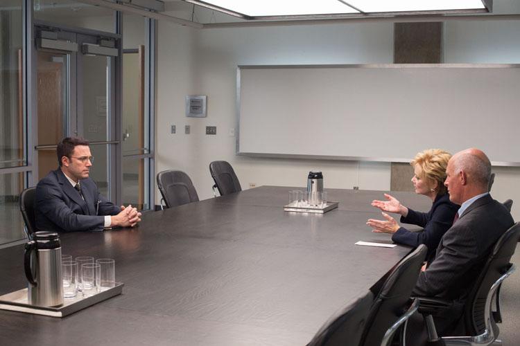 Christian Wolff ( Ben Allfleck) est engagé pour trouver une faille comptable.