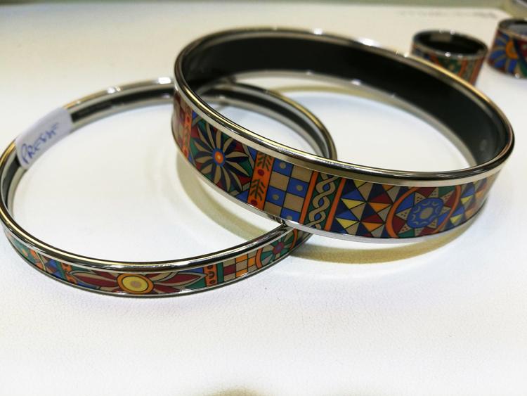 Bracelets et bagues