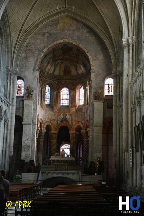 Église Sainte-Radegonde de Poitiers, la nef.