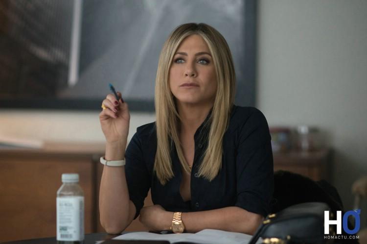 Carole ( Jennifer Aniston)
