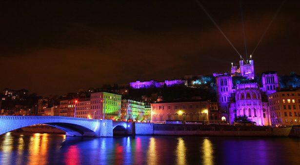 Lyon : fête des lumières du 8 au 10 décembre.