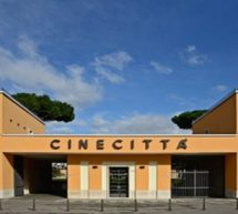 Cinecittà, une exposition du photographe international Willy Rizzo.