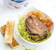 Foie gras poêlé aux pommes caramélisées au Sel La Baleine.