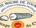 Le Sainte-Maure-de-Touraine AOP : un fromage ancré dans le terroir.