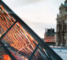La Pyramide du Louvre fête ses 30 ans avec la participation de la boutique du musée du Louvre.