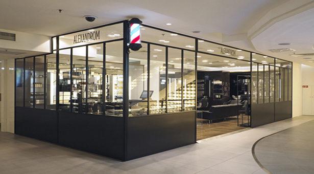 Aux Galeries Lafayette, le salon coiffeur- barbier imaginé par Alexandre de Paris.