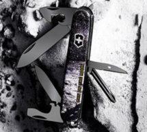 Victorinox sort un couteau de poche Tinker Man sur la lune, édition limitée.